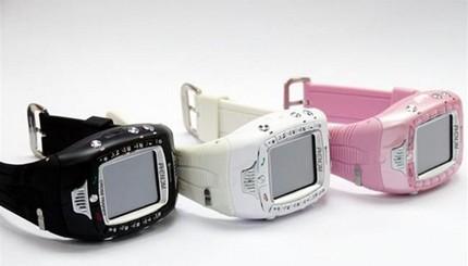 phenom-stylista-watch-phone.jpg