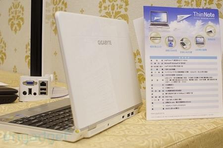 gigabyte-thin-note-s1024-netbook.jpg