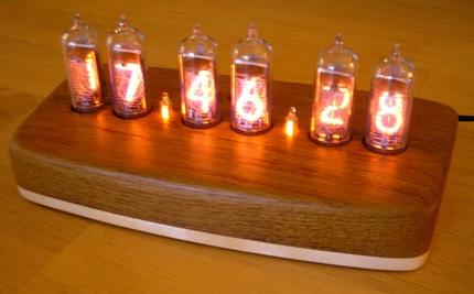 in14-teak-maple-hardwood-clock.jpg