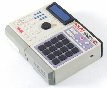 akai-mpc-2000xl-usb-flash-drive-1