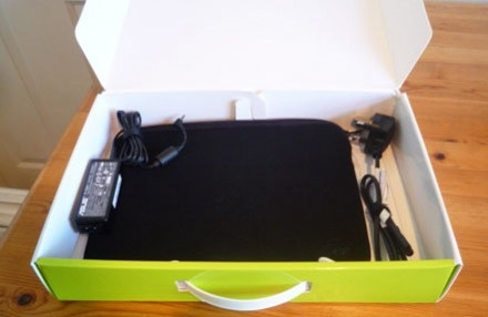 asus-eee-pc-1008ha-seashell-unboxing-2