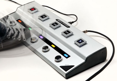 Apogee GiO USB Guitar Interface and Controller for Mac