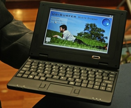 DataWind UbiSurfer Netbook with GPRS front