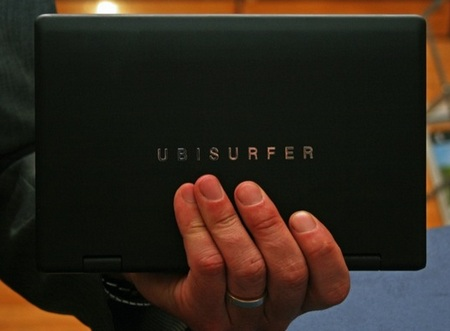 DataWind UbiSurfer Netbook with GPRS on hand 1