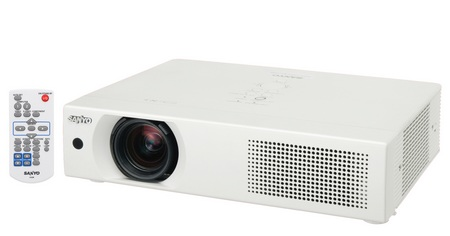 Sanyo LP-XU106 - Brightest Under 4kg Projector