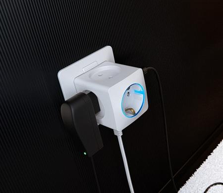 Art Lebedev Rozetkus 3D Power Socket in use