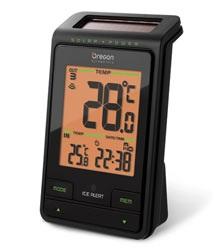 Oregon Scientific RMR802 Solar-Powered RC Clock with Outdoor Temperature