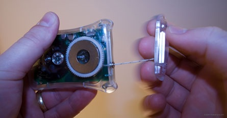 YoGen - Univesal Mobile Device Charger Pulling