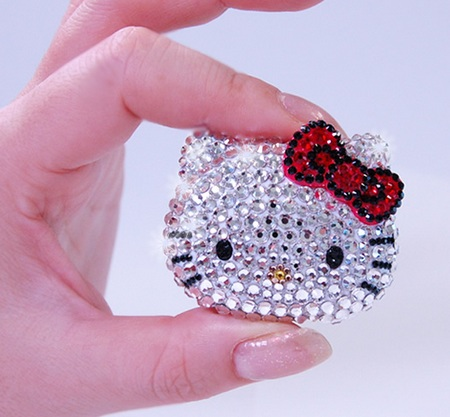 iRiver Hello Kitty Music Player CRYSTAL Model on hand