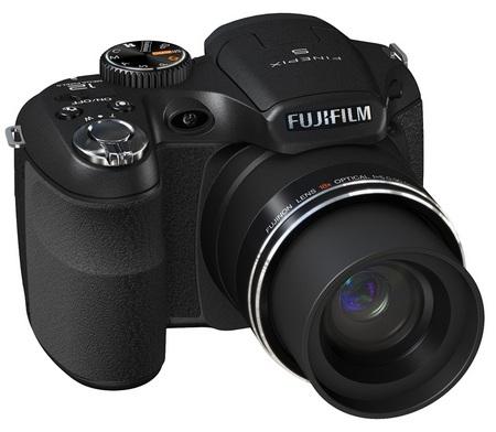 FujiFilm FinePix S2550HD 18x Zoom Camera