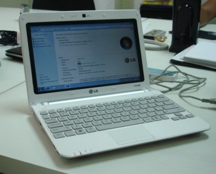 LG X140 Netbook with 3G