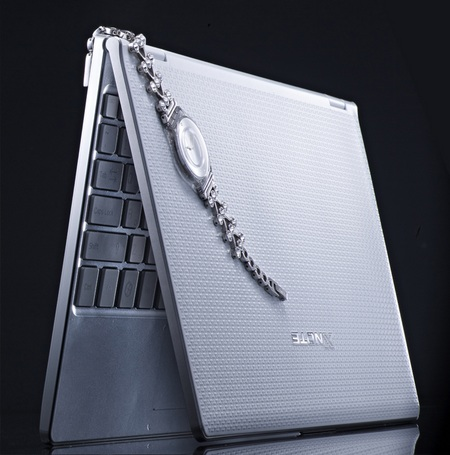 LG XNote Mini X300 Super Slim Netbook 1