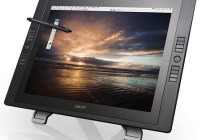 Wacom Cintiq 21UX Interactive Pen Display
