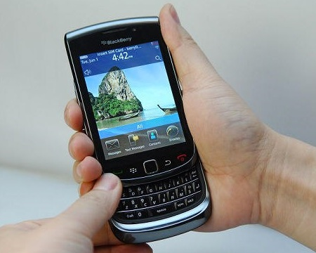 Blackberry Bold 9800 Slider Clear Shots on hand keyboard open