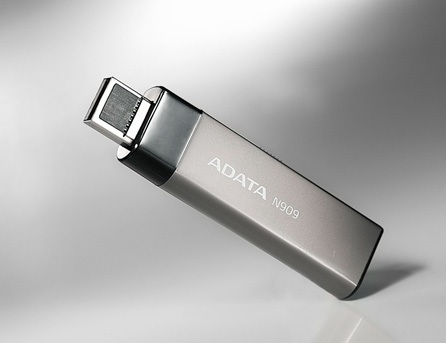 A-DATA N909 Flash Drive uses USB eSATA Combo Interface 1