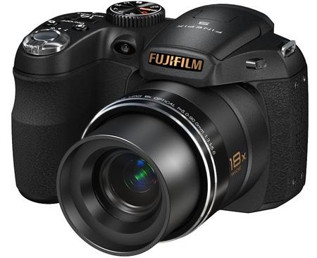 FujiFilm FinePix S2800HD 18X Zoom Camera angle