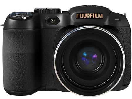 FujiFilm FinePix S2800HD 18X Zoom Camera front
