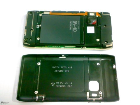 Nokia N9 Disassembled 4