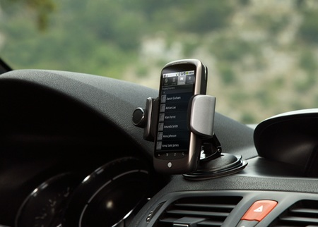 Parrot MINIKIT Smart Smartphone Docking Bay for Vehicle in use