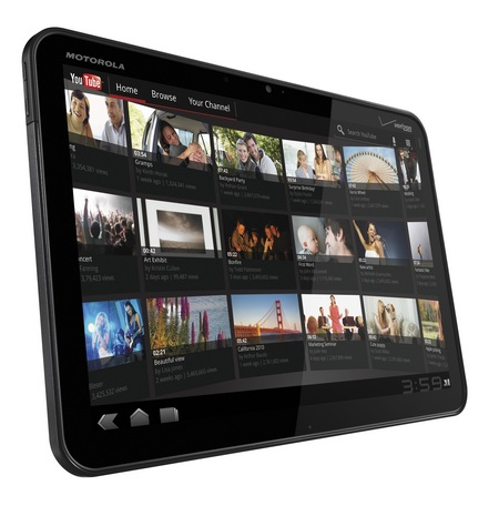 Motorola XOOM Android 3.0 Tablet with LTE, heading to Verizon angle