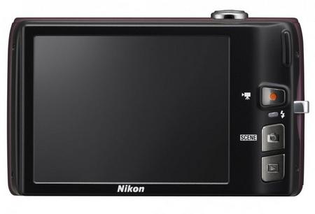 Nikon CoolPix S4100 digital camera back