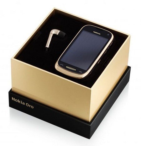 Nokia Oro with Premium Leather Back and 18 carat Gold Plating box set Nokia J