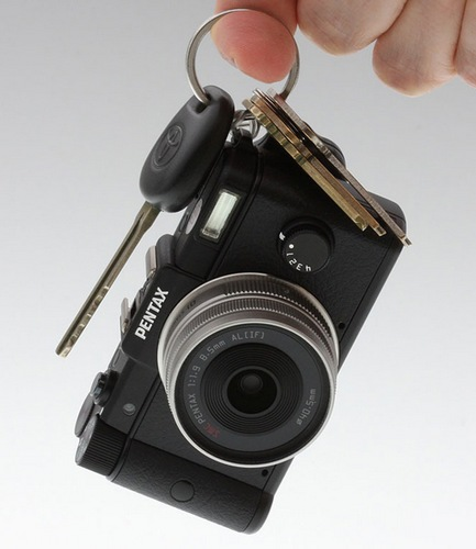 Pentax Q is the World's Smallest and Lightest Interchangeable Lens Camera keychain