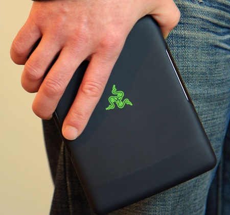 Razer Switchblade Concept Powered by Atom on hand