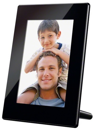 Sony S-Frame DPF-HD700 Digital Photo Frame supports Full HD Video playback