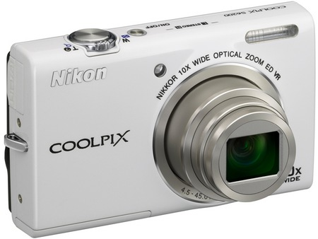 Nikon CoolPix S6200 Compact 10x Zoom Camera white