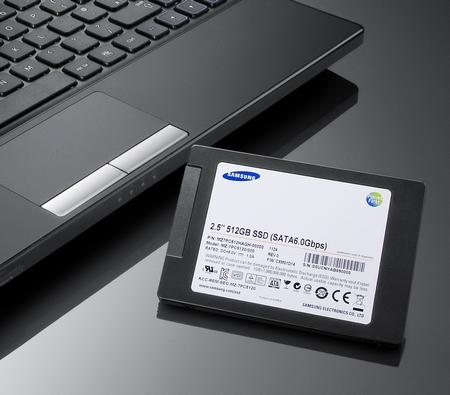 Samsung PM830 Series SATA III Solid State Drive