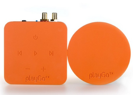 playGo USB Streams Music from PC Mac to Home Audio System orange
