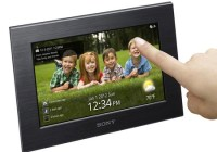 Sony S-Frame DPF-W700 and DPF-WA700 WiFi Digital Photo Frames touch