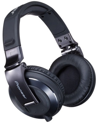Pioneer HDJ-2000-K Professional DJ Headphones Now in Black Chrome