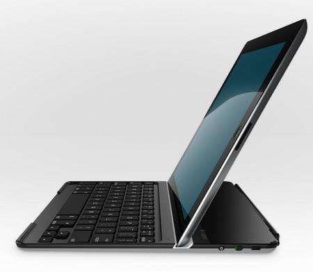 Logitech Ultrathin Keyboard Cover for iPad 3rd Gen side 1