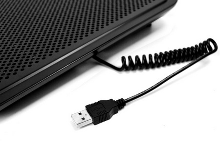 NZXT Cyro E40 Notebook Cooler usb cable