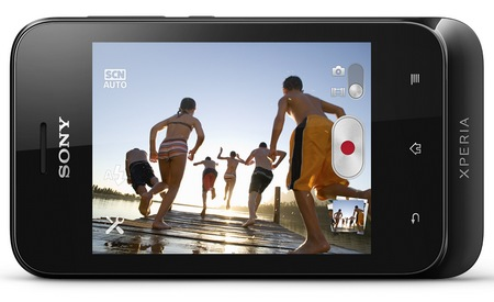 Sony Xperia tipo Entry-level Android Phone landscape