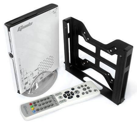 Giada Mini PC i53 gets Ivy Bridge mount and remote