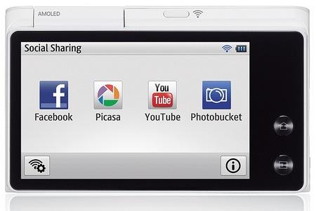 Samsung MultiView MV900F Digital Camera with WiFi back