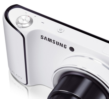 Samsung Galaxy Camera 21x Long Zoom Camera running Android 4.1 Jelly Bean shutter