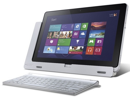 Acer Iconia W700 Windows 8 Tablet PCs with cradle keyboard