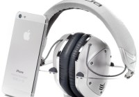 V-Moda Crossfade M-100 Metal Customizable Headphones white silver with iphone 5