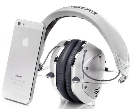 V-Moda Crossfade M-100 Metal Customizable Headphones white silver with iphone 5