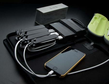 AViiQ Portable Charging Station with 5200mAh Battery Pack 1