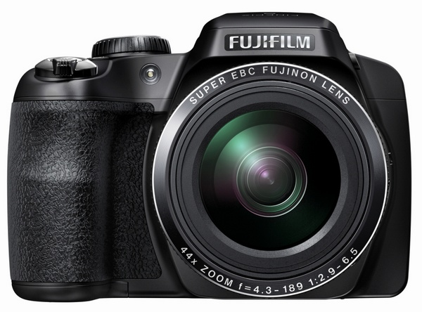 FujiFilm FinePix S8400W 44x Long Zoom Camera supports WiFi front