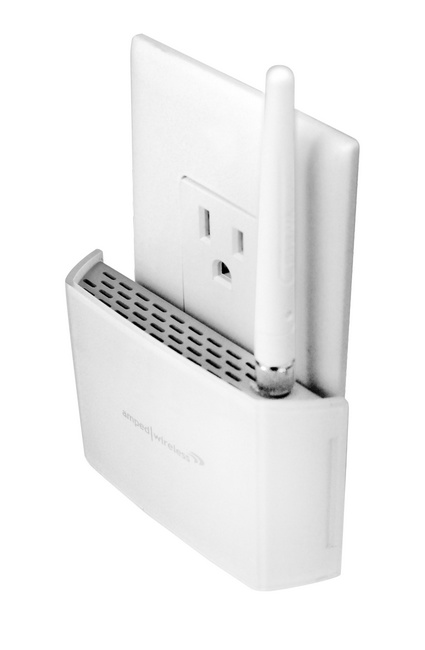 Amped Wireless REC10 Compact WiFi Range Extender angle