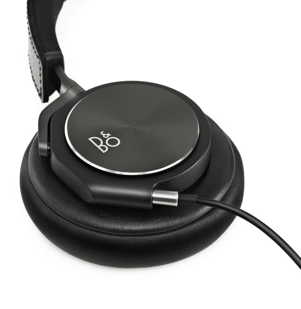 B&O BeoPlay H6 over-ear headphones 1