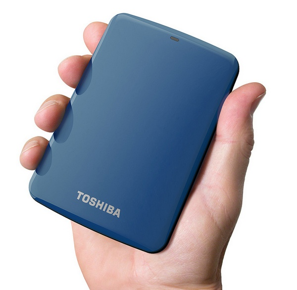 Toshiba Canvio Connect Portable Hard Drive with Pogoplug PC for Remote Access blue