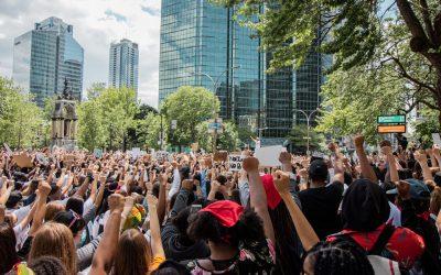 Le Conseil d'Etat suspend le régime d'autorisation des manifestations mais maintien le seuil d'interdiction des rassemblements de plus de 5000 personnes.