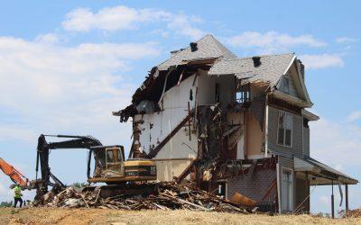 Démolition des constructions méconnaissant les règles d'urbanisme et droit de propriété